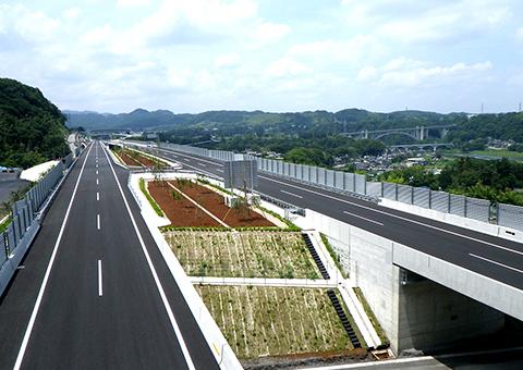 首都圏中央連絡自動車道(神奈川県)