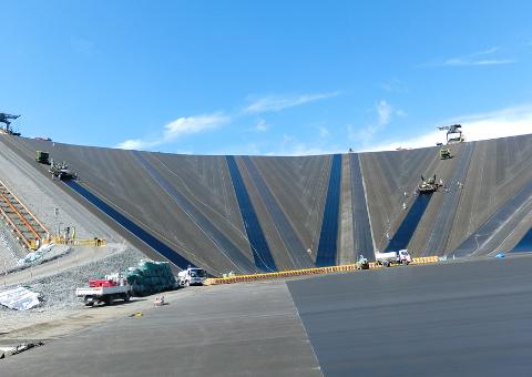 京極ダム(北海道)