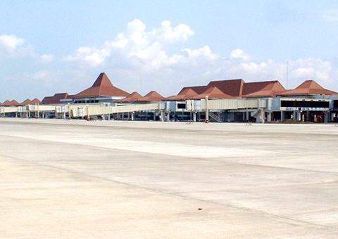 スラバヤ空港拡張工事(インドネシア)